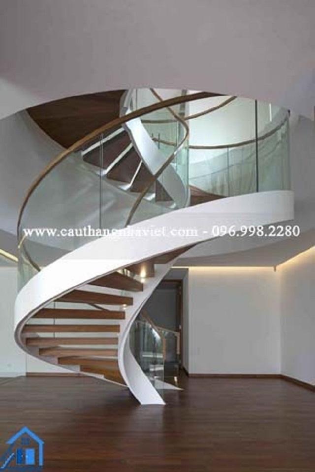 Cầu thang xoắn ốc là giúp tiết kiệm diện tích một cách tối ưu